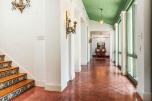 106 Ivy Lane Interior Hallway